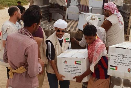 جهود الإمارات الإنسانية تتواصل لإغاثة المتضررين في سقطرى