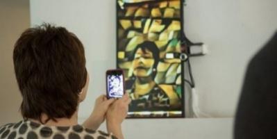 """فنانون يستخدمون """"الشاشات"""" كأعمال إبداعية في معرض أمريكي"""