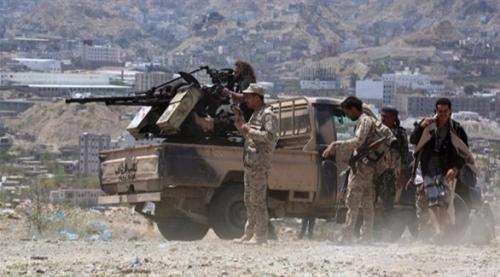 شاهد.. معارك عنيفة للجيش مع المليشيات الحوثية بالبيضاء