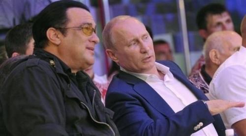 روسيا تكلف نجم هوليوود ستيفن سيغال بتحسين العلاقات مع أمريكا