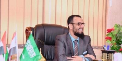 محذرا حكومة الفساد .. بن بريك: لن نقف مكتوفي الأيدي أمام هذه الحرب الشعواء