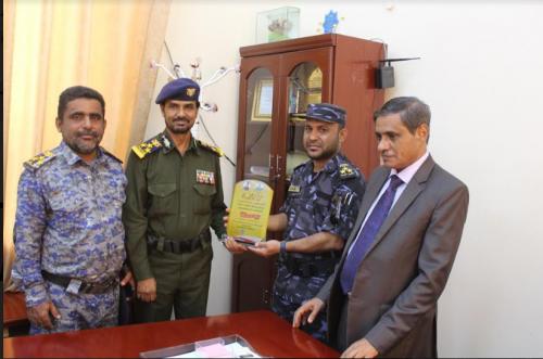 البحسني وقيادة الأمن تكرّمان العميد سالم الخنبشي لجهوده الوطنية في قطاع الأمن والشرطة
