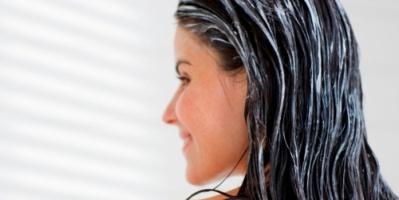 7 وصفات طبيعية تجعل الشعر ناعماً كالحرير