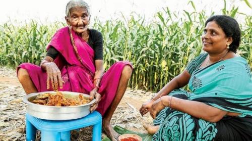 جدة هندية تجذب مليون متابع على «يوتيوب» بأطباقها