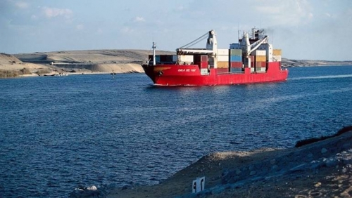 مصر تتنفس الصعداء بقرار استئناف تصدير النفط عبر باب المندب
