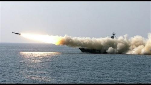 مسؤول أمريكي : إيران اختبرت صاروخا مضاد للسفن في مضيق هرمز