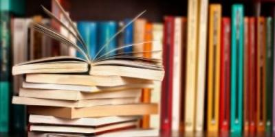 ما الأسباب النفسية وراء إنفاق الأموال على شراء الكتب دون قراءتها؟