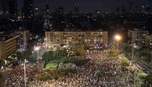 """الآلاف يتظاهرون بإسرائيل تنديدا بقانون  """"القومية""""  العنصري"""