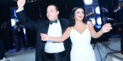 """تامر عبد المنعم يحذر من المساس ب""""طليقته"""" .. """"لسة بحبها"""""""