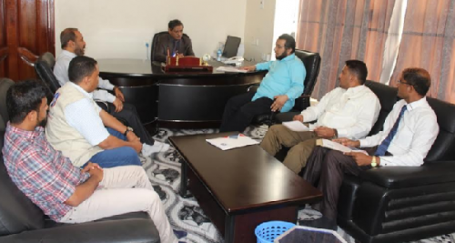 محافظ حضرموت يطلع على أنشطة وبرامج مكتب مشروع تحسين سبل العيش