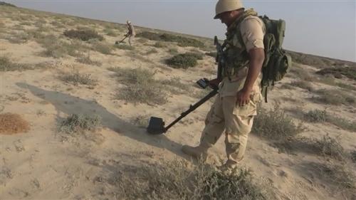 شاهد طريقة نزع ألغام الحوثي الحديدة