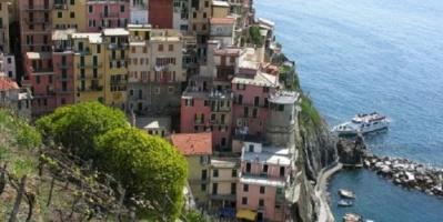 جولة بالصور في منحدرات مانارولا الإيطالية الجذابة