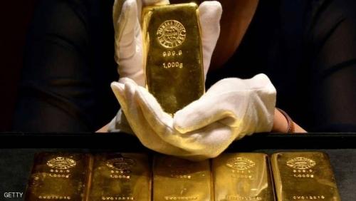 الذهب في أدنى مستوى خلال 17 شهرا