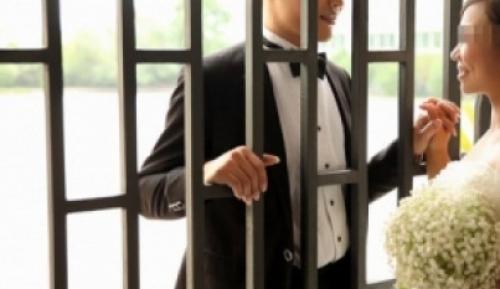 عريس رابع في عدن يبات ليلة دخلته في السجن
