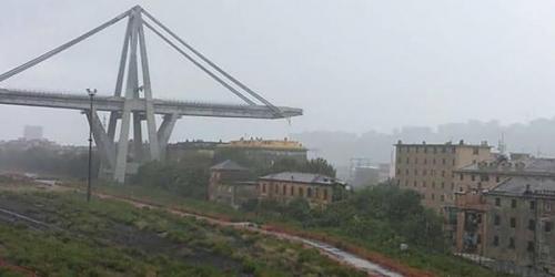 عشرات الضحايا بانهيار جسر في جنوى بايطاليا