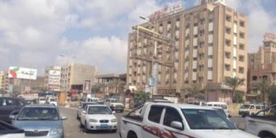 دوي انفجارات عنيفة تهز مدينة المنصورة بعدن