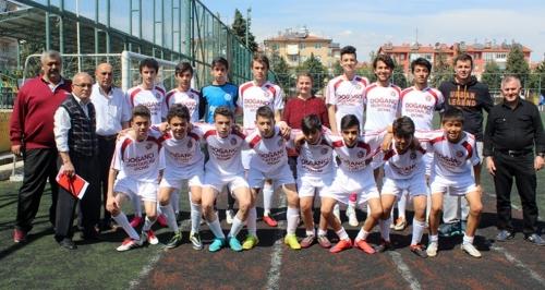 نادي تركي يبيع 18 لاعبا ليشتري 10 رؤوس ماعز (صور)