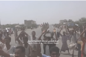 شاهد.. كيف استقبل أهالي حيران القوات الشرعية بعد الانتصار على الحوثيين