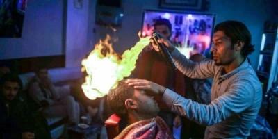 شاهد.. حلاقة النار تصل الصالات الشعبية في موريتانيا