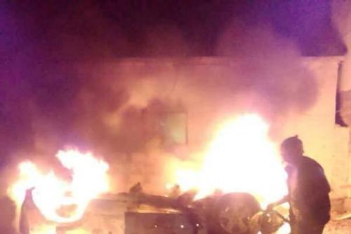 اندلاع حريق بمحلات في الضالع