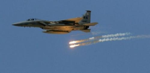 طيران التحالف يقصف مواقع للانقلابيين في باقم