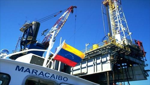 فنزويلا.. هل يغرق عملاق النفط اللاتيني في دوامة الديون؟