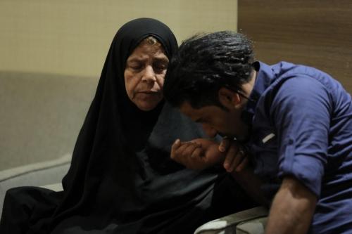 يمني يلتقي أمه في الحج بعد فراق 7 سنوات