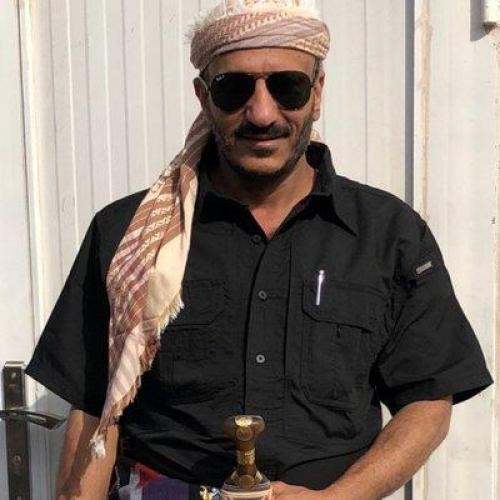 طارق صالح مخاطبا أسر الشهداء: شهدائكم اخواننا ونعاهدكم اننا على دربهم ماضون