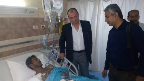 مدير مكتب جرحى الساحل الغربي في مصر يزور ويعايد على الجرحى في المستشفيات.