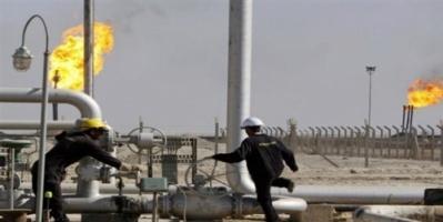 النفط يرتفع بفعل العقوبات وتراجع المخزونات
