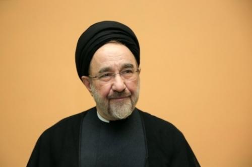 خاتمي يطالب بإصلاحات لتجنب سقوط النظام الإيراني