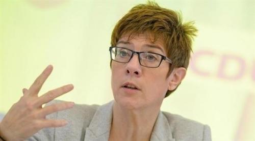 مسؤولة ألمانية تقترح إلحاق اللاجئين بالخدمة العامة