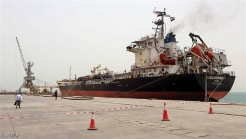 التحالف العربي يمنح التصاريح بدخول سفينتين لميناء الحديدة