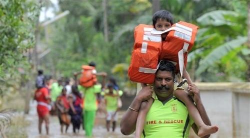 فيضانات كيرالا في الهند تسفر عن 445 قتيلاً