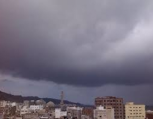 تحذيرات جديدة من أمطار رعدية وعواصف بحضرموت