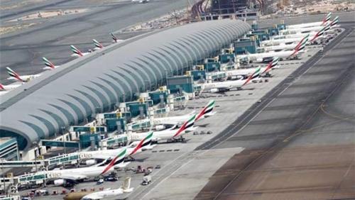 شاهد مطار دبي بعد مزاعم الحوثيين بإستهدافه