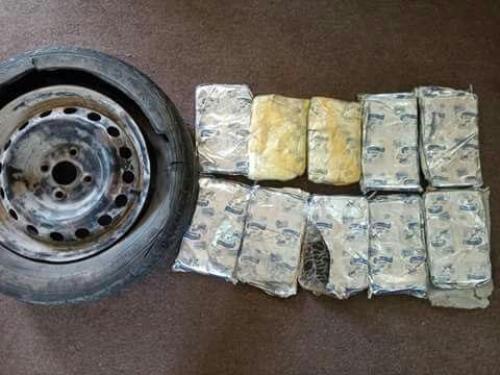 ضبط 10 كيلو من مخدر الحشيش والقبض على أحد مروجي المخدرات بحضرموت