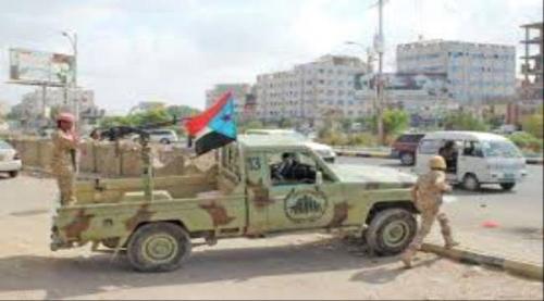 قوات الحزام الأمني تستعيد باص مسروق بالمعلا