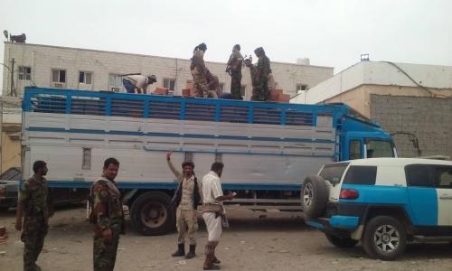 قوات النجدة في محافظة لحج تحبط عملية تهريب سجائر بطريقة غير قانونية