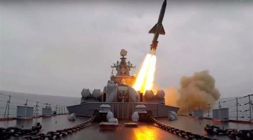 الجيش الروسي يجري اختباراً ناجحاً لإطلاق صاروخ جديد