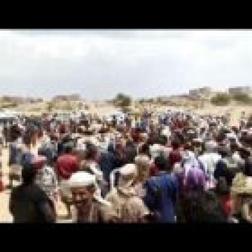 شاهد.. جنازة مهيبة للصحفي أحمد الحمزي بالبيضاء