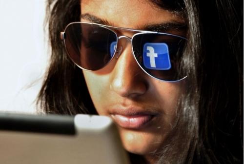 كرة القدم بوابة فيسبوك للتوسع وتعويض خسائرها