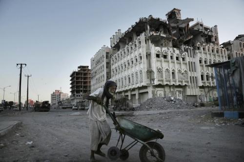 إقرار آلية صرف المساعدات للمتضررين من حوادث العمليات العسكرية في اليمن