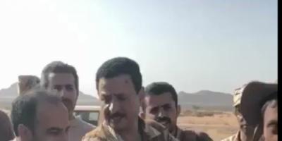 شاهد بالفيديو.. أسر أحد عناصر ميليشا الحوثي بصعدة