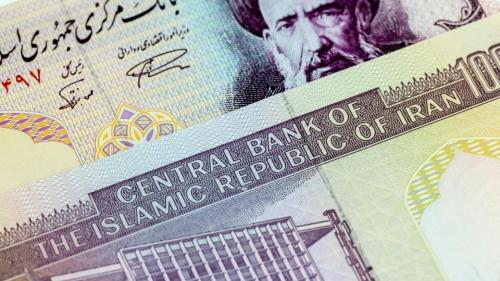 انهيار عملة إيران.. 120 ألف ريال لكل دولار