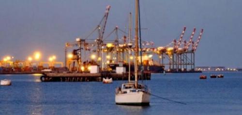 وثيقة.. تعرف على حقيقة زيادة أسعار نقل البضائع من ميناء عدن