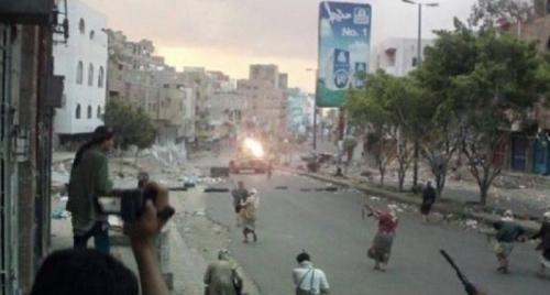 اشتباكات بين كتائب أبو العباس وإخوان اليمن في حي النسيرية بتعز