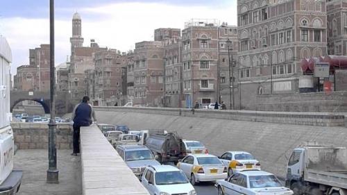مليشيا الحوثي تغلق الطرق الرئيسية بصنعاء.. واختناقات مرورية بالعاصمة