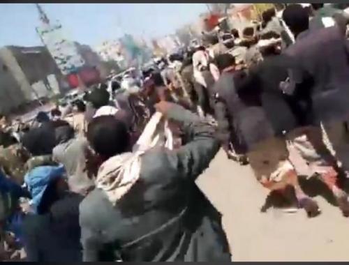 شاهد بالفيديو.. مواطنو رداع ينتفضون: لا حوثي بعد اليوم