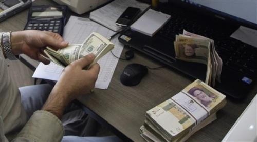 محاولة إنقاذية للريال الإيراني عبر السماح باستيراد أوراق النقد الأجنبي